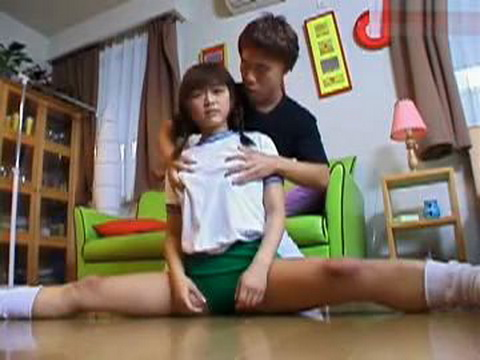 Flexible Japanese Schoolgirl Masturbated With Dildo and Fucked in Bed