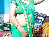 Aunty in tight blouse umma