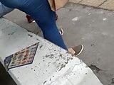 Gordinha com calca apertada