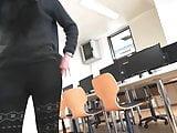 CANDID TEEN IN TRANSPARENT LEGGINGS PULL UP VOYEUR