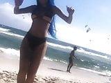TatiZaqui Exibindo o Rabo Na Praia 1 2019 HD
