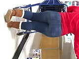 Thick Pawg booty in jeans