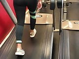 Sexy ass in gym