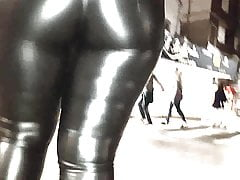 SHINY LEATHER PANTS